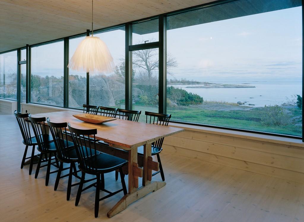 Stockholm archipelago summer house by Waldemarson Berglund