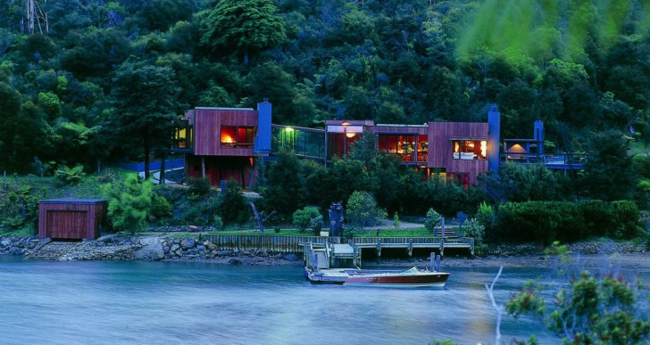 Waterfall Bay House / Bossley Architects