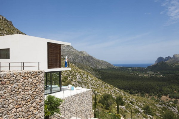 Casa 115 Spain by Miquel Angel Lacomba at IDEASGN 3
