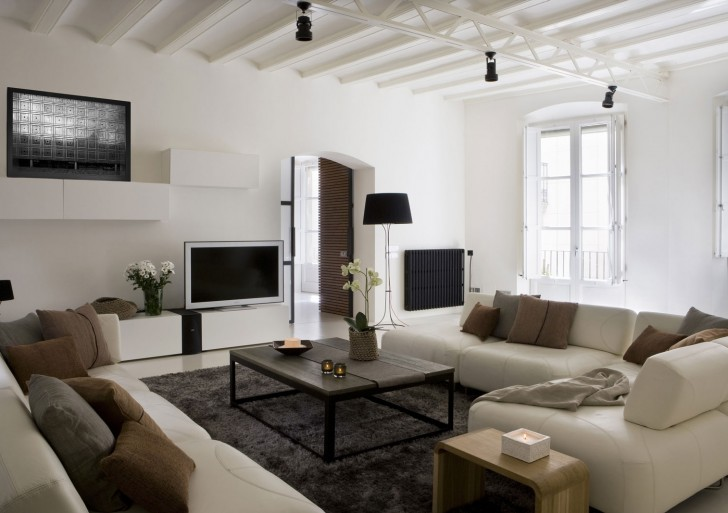 Contemporary Apartment in the Gothic Quarter / YLAB Arquitectos