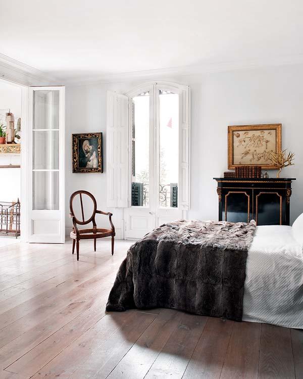 Barcelona Apartment European furniture