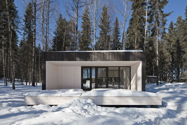 Four-cornered villa Holiday Cottage idea+sgn in Finland by Avanto Architects 2