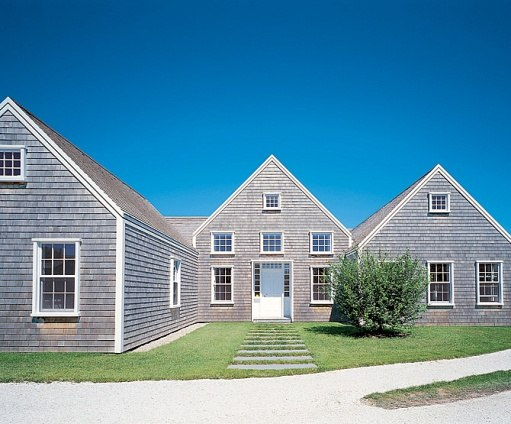 Nantucket House Hugh Newell Jacobsen besides Hanging Out In Illinois By Joyce Hicks Joyce Hicks as well An Old Backyard Garage Be es A Sweet Guest Cottage as well Ocean Cottage Roof Deck And Portico Beach Style Deck Boston further American House1. on nantucket cottage house plans