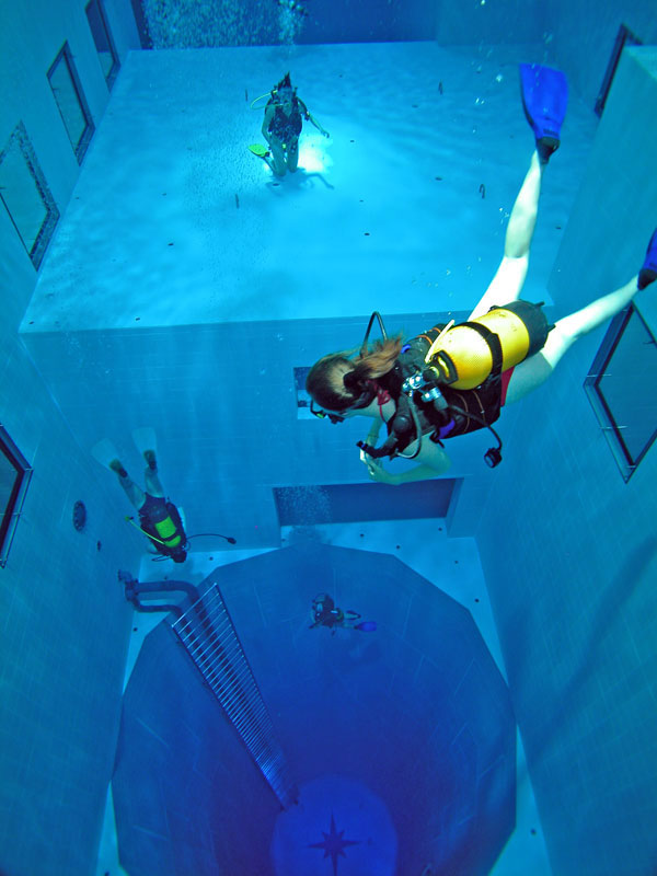 Nemo 33  - The Deepest Indoor Diving Pool in the World idea+sgn 3