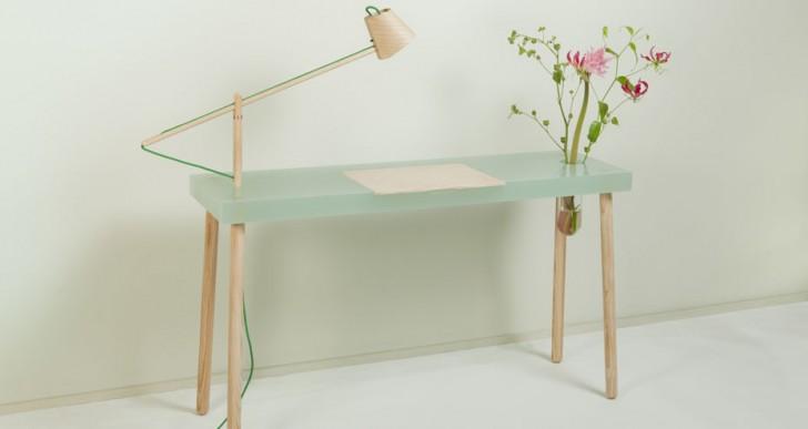 Resin Writing Table / Roel Huisman