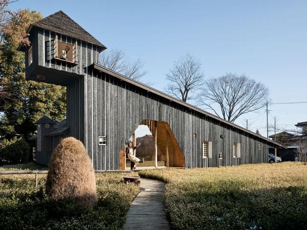 fujimori-terunobu-charred-cedar-house-exterior