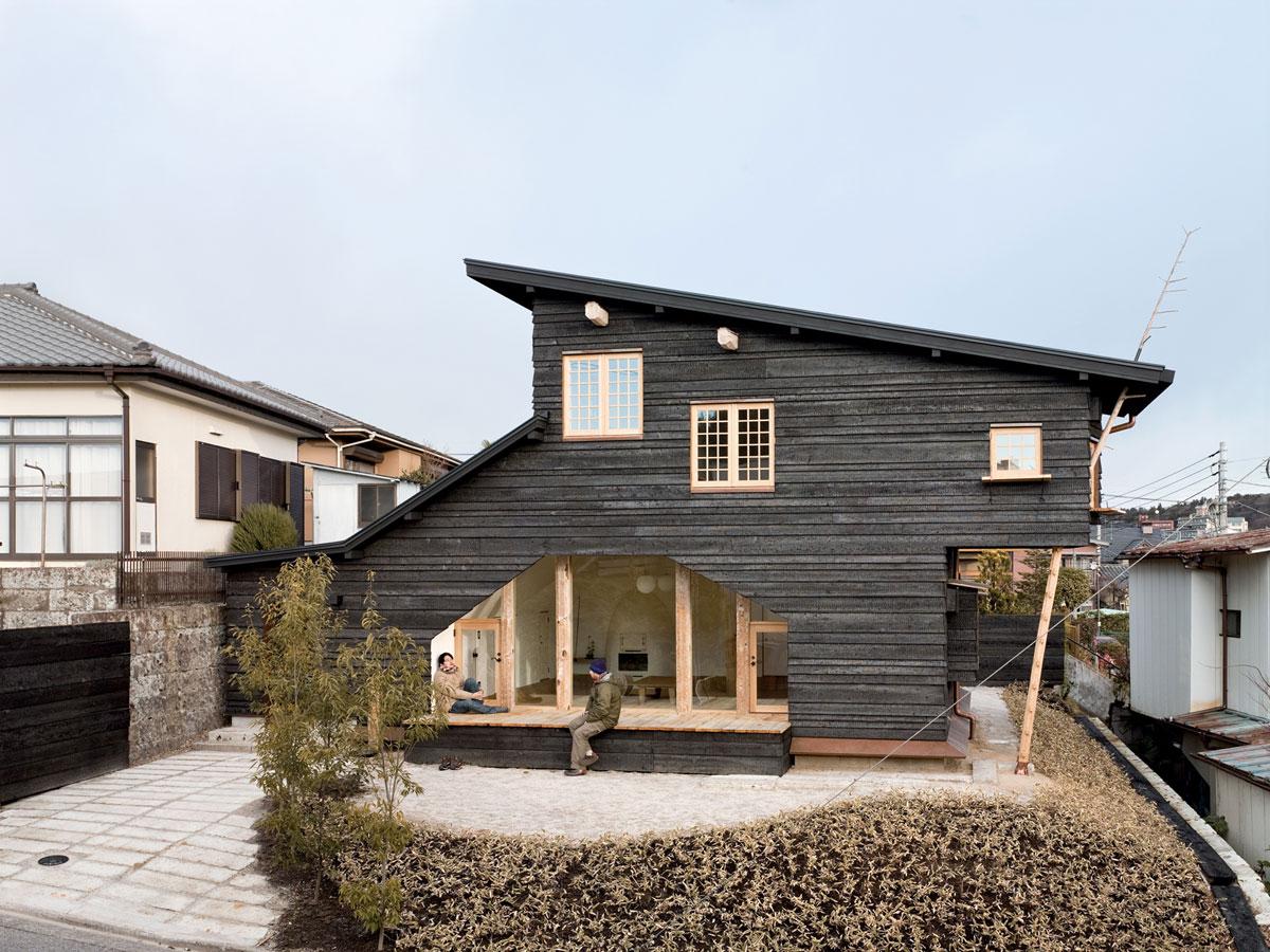 fujimori terunobu coal house rear portrait ideasgn. Black Bedroom Furniture Sets. Home Design Ideas