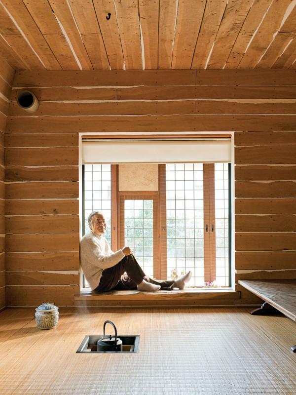 fujimori-terunobu-dandelion-house-tea-room-portrait