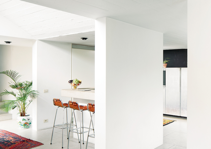 Vandemoortele Residence: a 1970s Concrete Villa Renovation in Belgium
