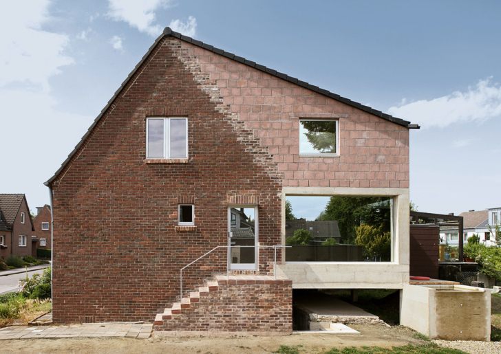 Schreber House Extension and Renovation by AMUNT