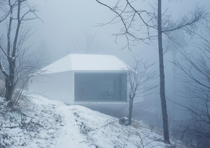 Villa / Gallery in Karuizawa by Makoto Yamaguchi