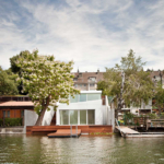 Bathing Hut in Danube by SHARE Architects 2