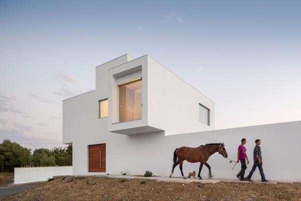 M+R House by Pedro Sousa TMA 3