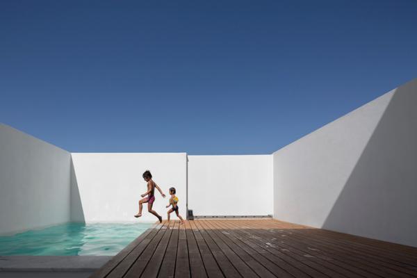 M+R House by Pedro Sousa TMA 4