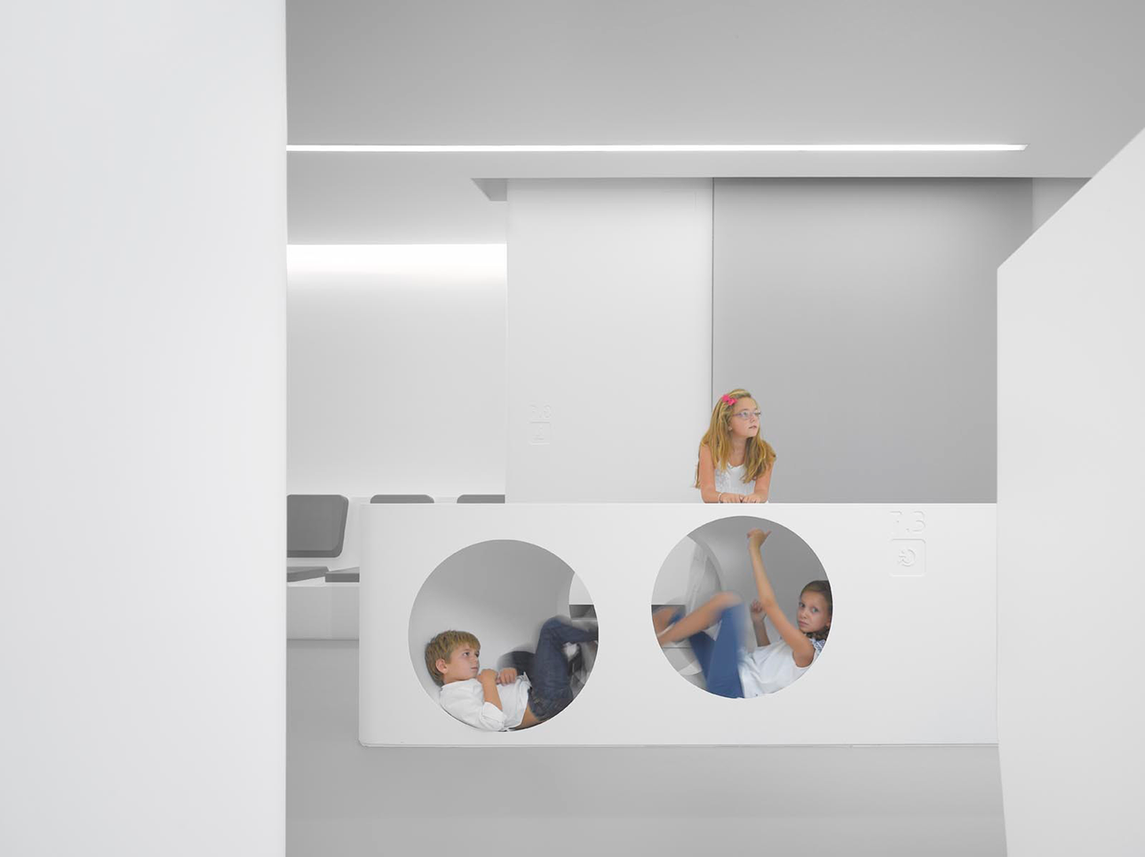 White space orthodontic clinic by bureauhub architecture ideasgn