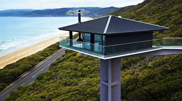 Pole House Renovation by F2 Architecture