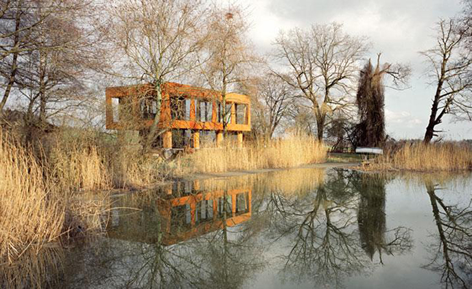 Summerhouse in Thurgau by Staufer & Hasler
