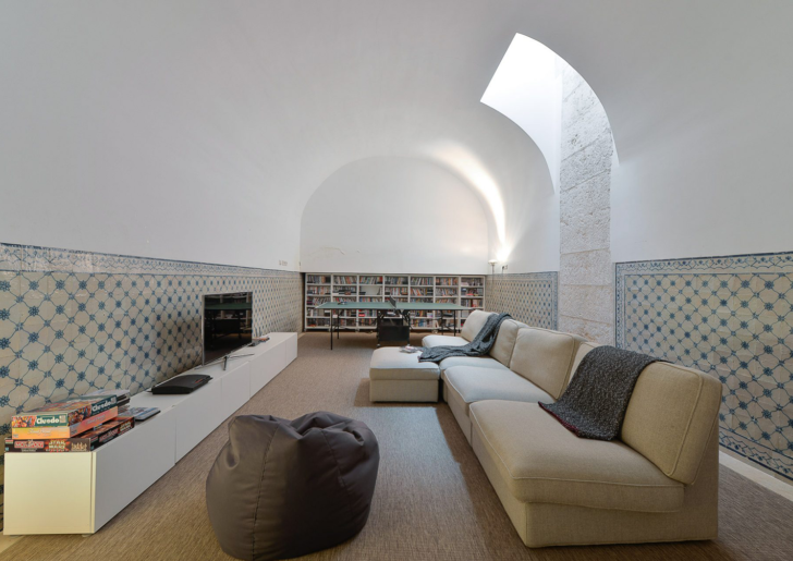 18th Century Townhouse Renovation by Manuel Aires Mateus