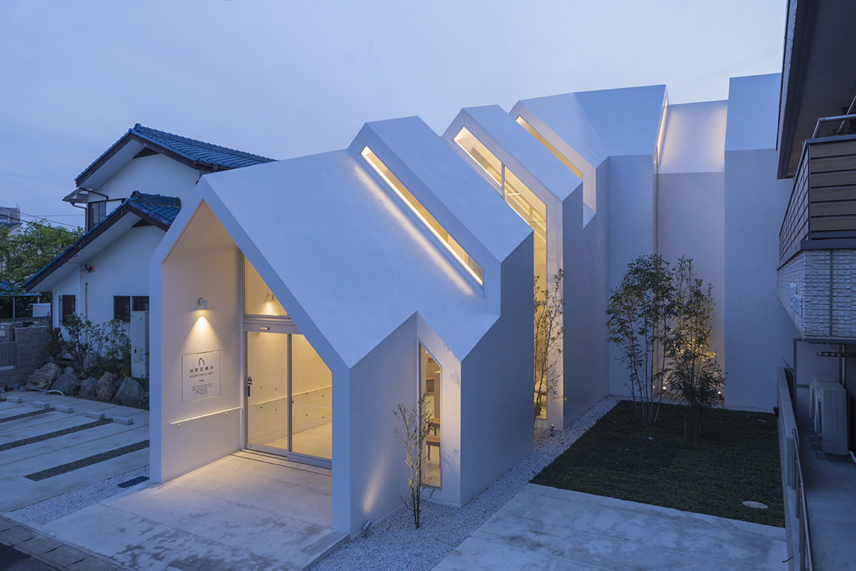 Asahicho clinic by hkl studio ideasgn for Home architects near me