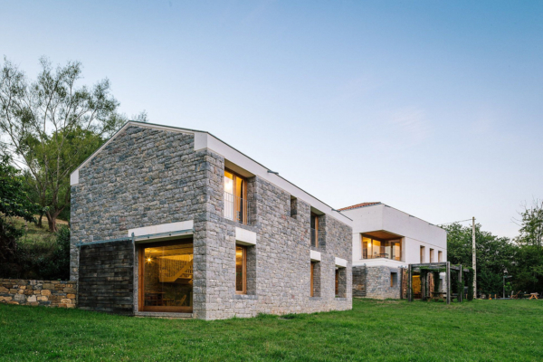 Refurbishment Barn House by PYO arquitectos 2
